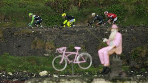 Pink bikes were again very much in evidence along the course as the Giro d'Italia hopefuls competed on day two at the Giro d'Italia in Northern Ireland