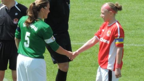 Muratti captains shake hands