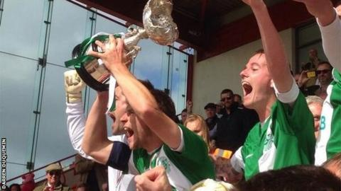 Guernsey celebrate winning the 2014 Muratti