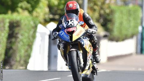 Franck Petricola in action in North West 200 Superstock practice before his crash