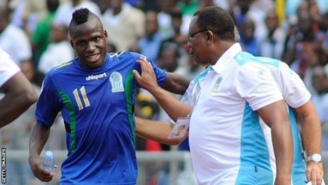 Thomas Ulimwengu (left)