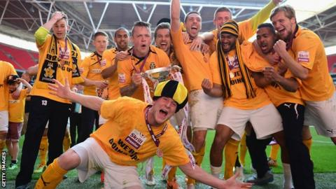 Cambridge United celebrate promotion