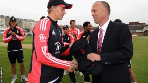 James Whitaker awards England cap to Joe Root (l)