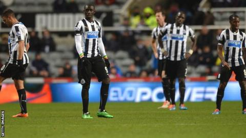 Newcastle United players dejected