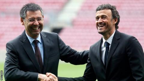 Barcelona president Josep Maria Bartomeu welcomes new coach Luis Enrique to the Nou Camp