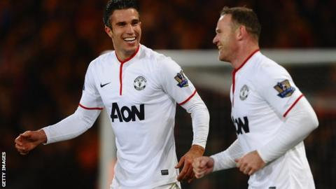 Manchester United duo Robin van Persie and Wayne Rooney.