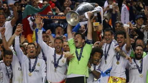 4355d9e1a63 Real Madrid lift the Champions League trophy