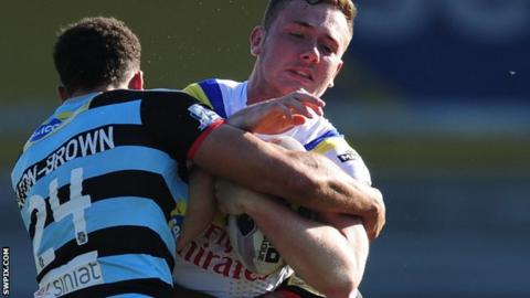 Ben Currie tackled