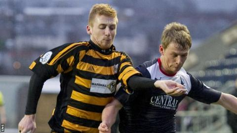 Liam Caddis (left) in action for Alloa
