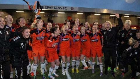Glasgow City celebrate with the Scottish Women's League Cup after beating Hibernian in the final.