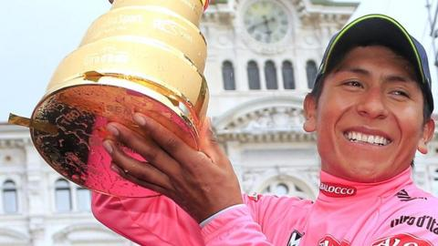 Nairo Quintana lifts the Giro d'Italia trophy