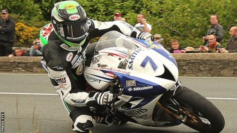 Gary Johnson on his way to Supersport victory