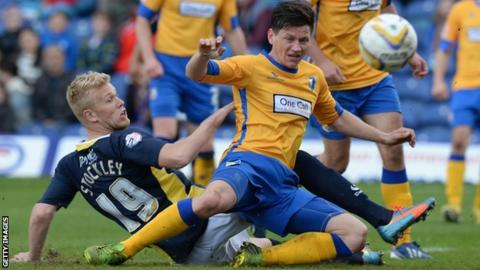 James Jennings in action for Mansfield