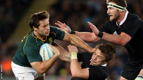 Jan Serfontein in action for South Africa