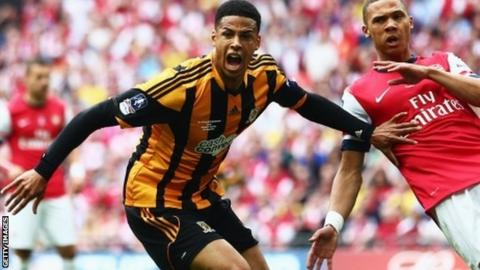 Curtis Davies scores for Hull in the FA Cup final