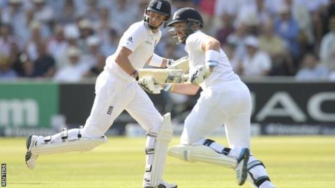 Joe Root and Matt Prior during their unbroken 135 partnership against Sri Lanka at Lord's