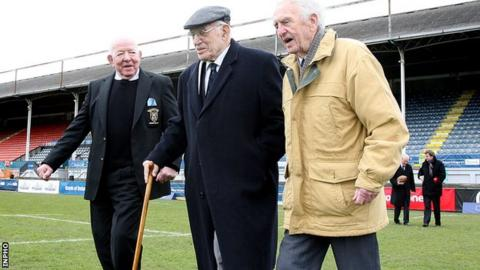 Jimmy Nelson (centre) with his fellow 1948 Ireland heroes Karl Mullen and Michael O'Flanagan