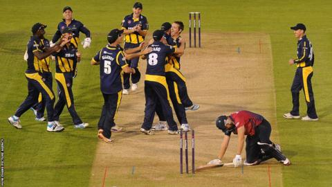 Glamorgan players had further reason to celebrate when Jacques Rudolph ran out Kent's Doug Bollinger to secure a draw in dramatic style at the Swalec Stadium.