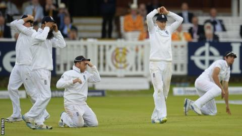 "England's Gary Ballance, Moeen Ali, Ian Bell, Joe Root and Alastair Cook react after Sri Lanka""s drew the the first Test"