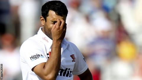 Ravi Bopara bowling for Essex