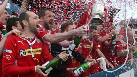 Cliftonville retained the Irish Premiership for the first time in 2014