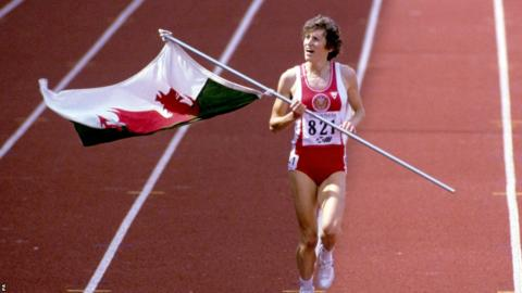 Edinburgh 1986: Four years later, now competing as Kirsty Wade, there was further success with golds in the 800m and 1500m.