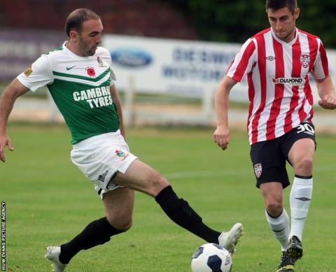 Aberystwyth Town's Geoff Kellaway in action during his side's 4-0 defeat to Derry in the Europa League first qualifying round first leg.