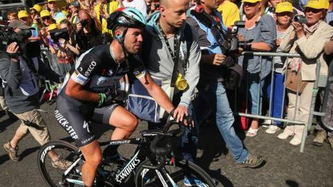 tour de france 2014 mark cavendish is out after crash