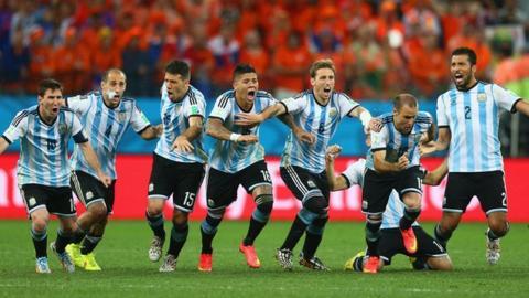 Highlights: Netherlands 0-0 Argentina (2-4 pens)
