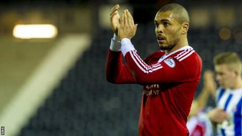 Josh Magennis has signed a three year deal with Kilmarnock