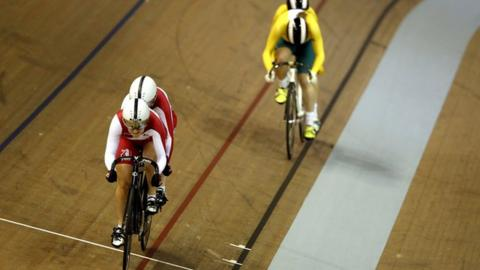 England's Sophie Thornhill and Helen Scott win gold in the tandem sprint