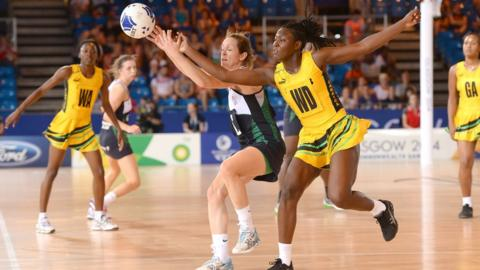 "Caroline O""Hanlon in action against Jamaica""s Vangelee Williams during the netball preliminary round Group A match which Northern Ireland lost 65-34."