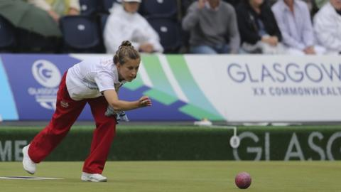 Silver for Natalie Melmore in singles bowls