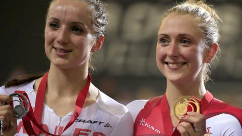 Elinor Barker (left) was pipped to gold by England's Laura Trott in the women's 25km points race.