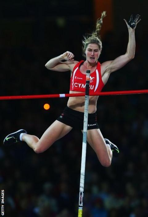 Sally Peake won pole vault silver for Wales on the final night of track and field at Hampden Park.