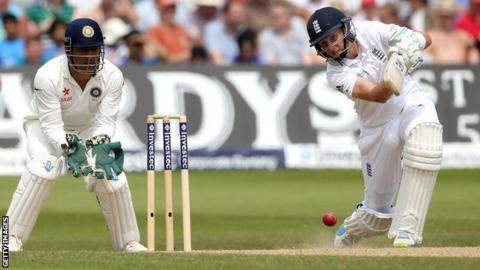 Joe Root bats at Trent Bridge