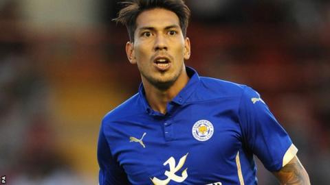 Leicester's Leonardo Ulloa