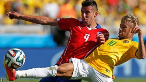 Mauricio Isla has joined QPR