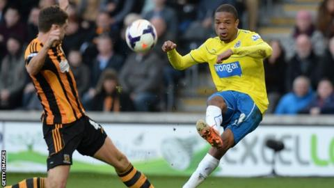 Loic Remy in action for Newcastle against Hull