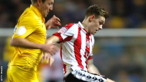 Joe Ironside (right) playing for Sheffield United