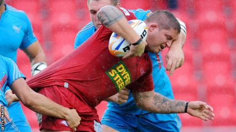 Rhys Thomas in action for the Scarlets