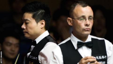 Ding Junhui and Martin Gould
