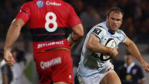 Jamie Roberts carries the ball against Toulon