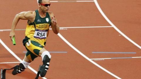 South Africa's Oscar Pistorius runs in the 4x400m relay final