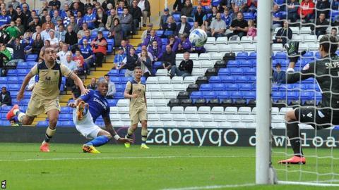 Wes Thomas scores for Birmingham