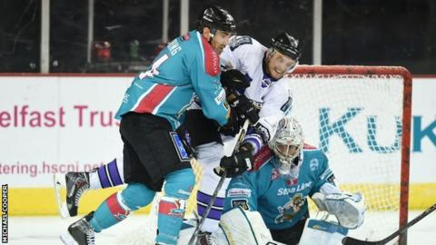 Action from the Giants' defeat by Braehead Clan