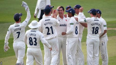 Essex's Jesse Ryder took a county-best 5-24 against Worcestershire at Chelmsford