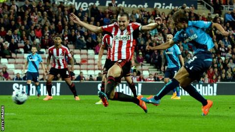 Marc Muniesa scores twice for Sunderland
