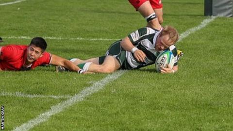 Richard Hile scores for Guernsey