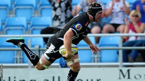 Thomas Waldrom goes over for Exeter against Harlequins